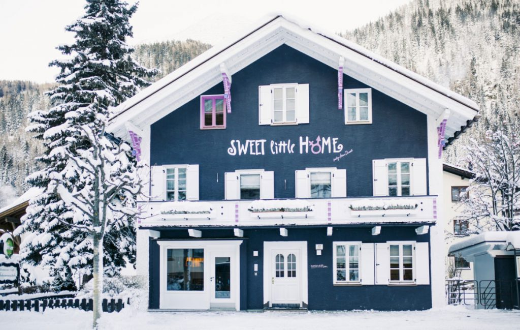 Sweet Little Home Exterior - Ski Chalet operated by Kaluma Ski
