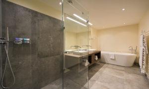 Chalet Ariane Bathroom in Chalet Eden Rock, St Anton