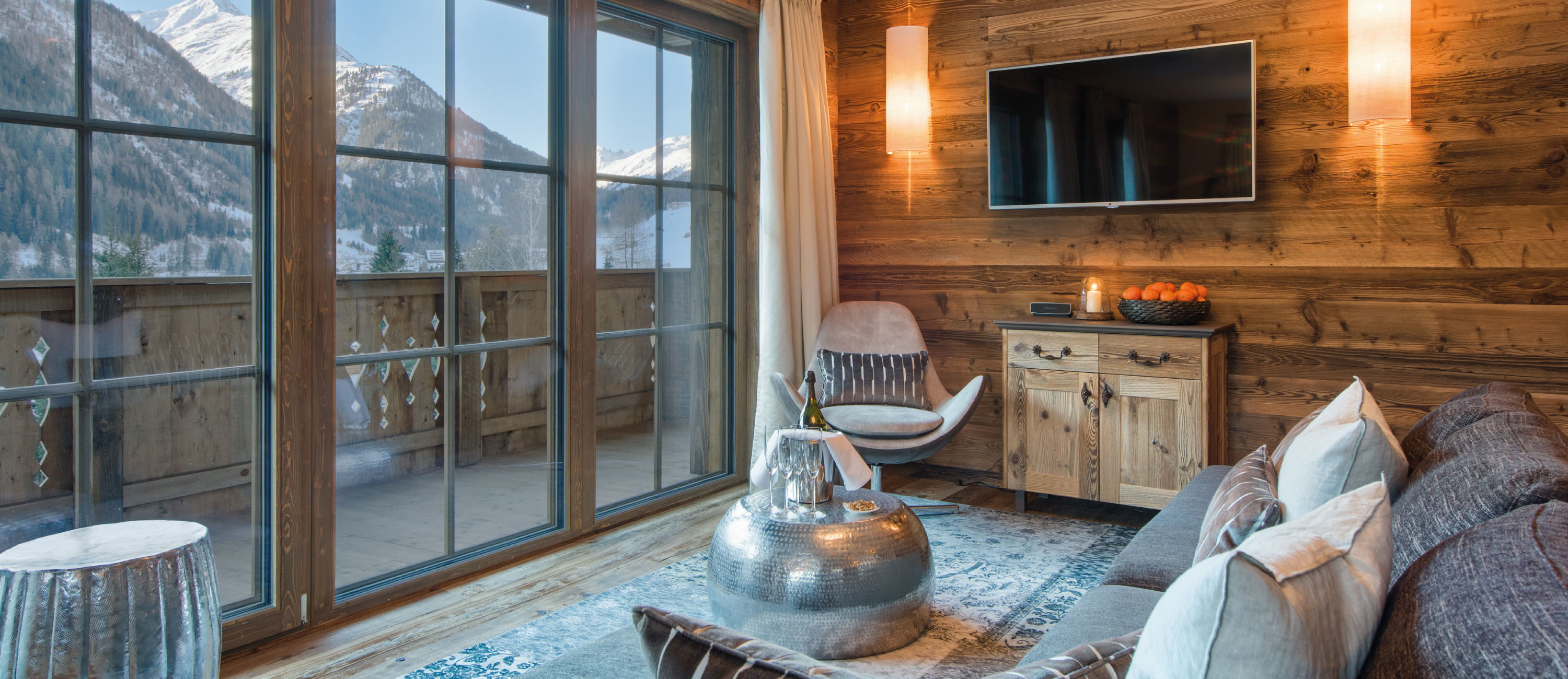 Chalet Ariane Living Room with Mountain Views - St Anton