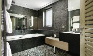 Chalet Black Pearl Bathroom - Luxury Ski Chalet, Val d'Isère