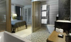 Chalet Black Pearl Bedroom & Bathroom - Luxury Ski Chalet, Val d'Isère