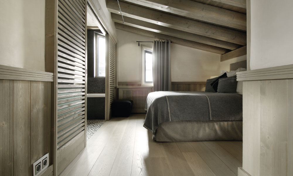 Chalet Black Pearl Bedroom - Luxury Ski Chalet, Val d'Isère
