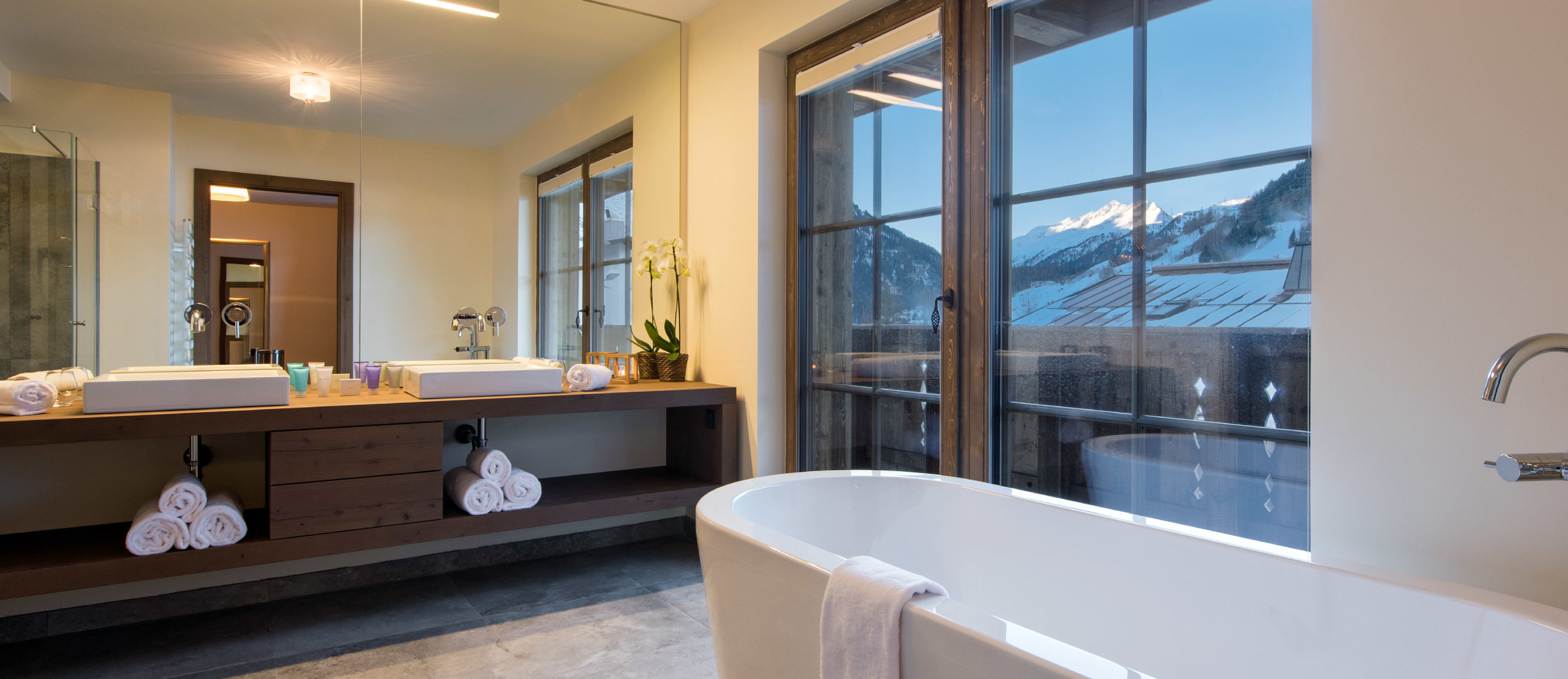 Chalet Kanzi Bathroom with view of St Anton