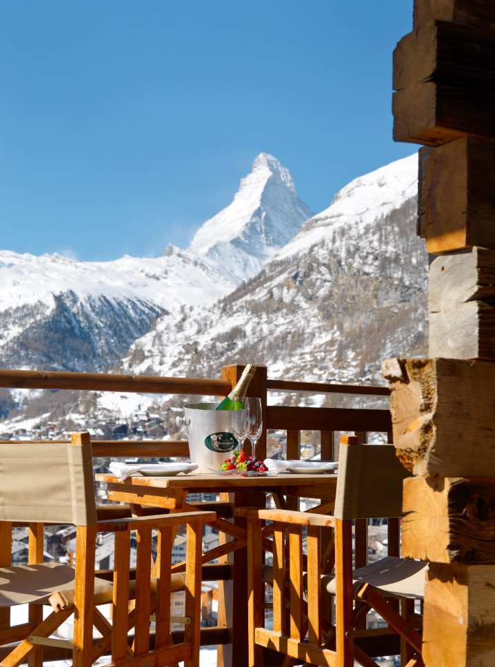 Champagne with views of the Matterhorn - Chalet Maurice, Zermatt