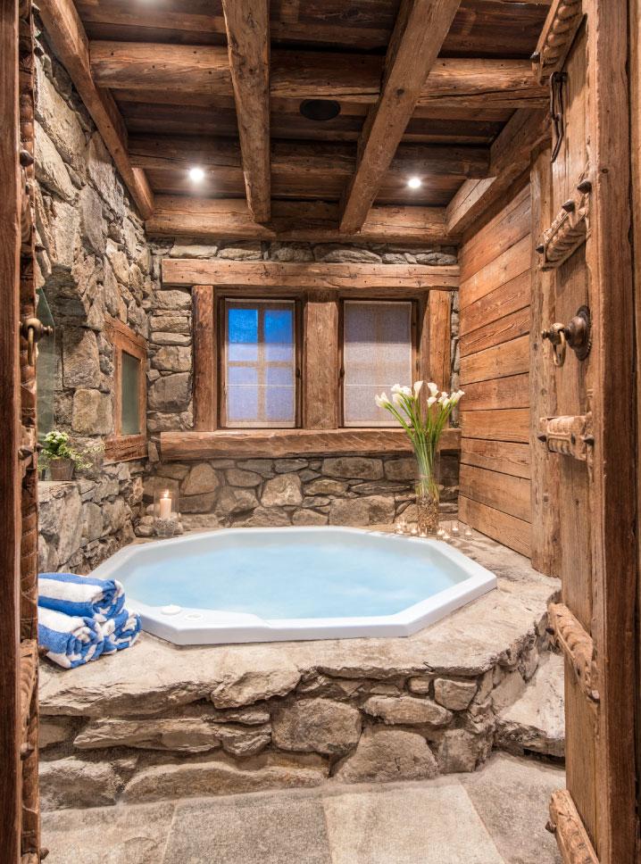 Chalet Montana Hot Tub