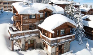 Chalet Montana Exterior - Snow Covered Chocolate Box Chalet