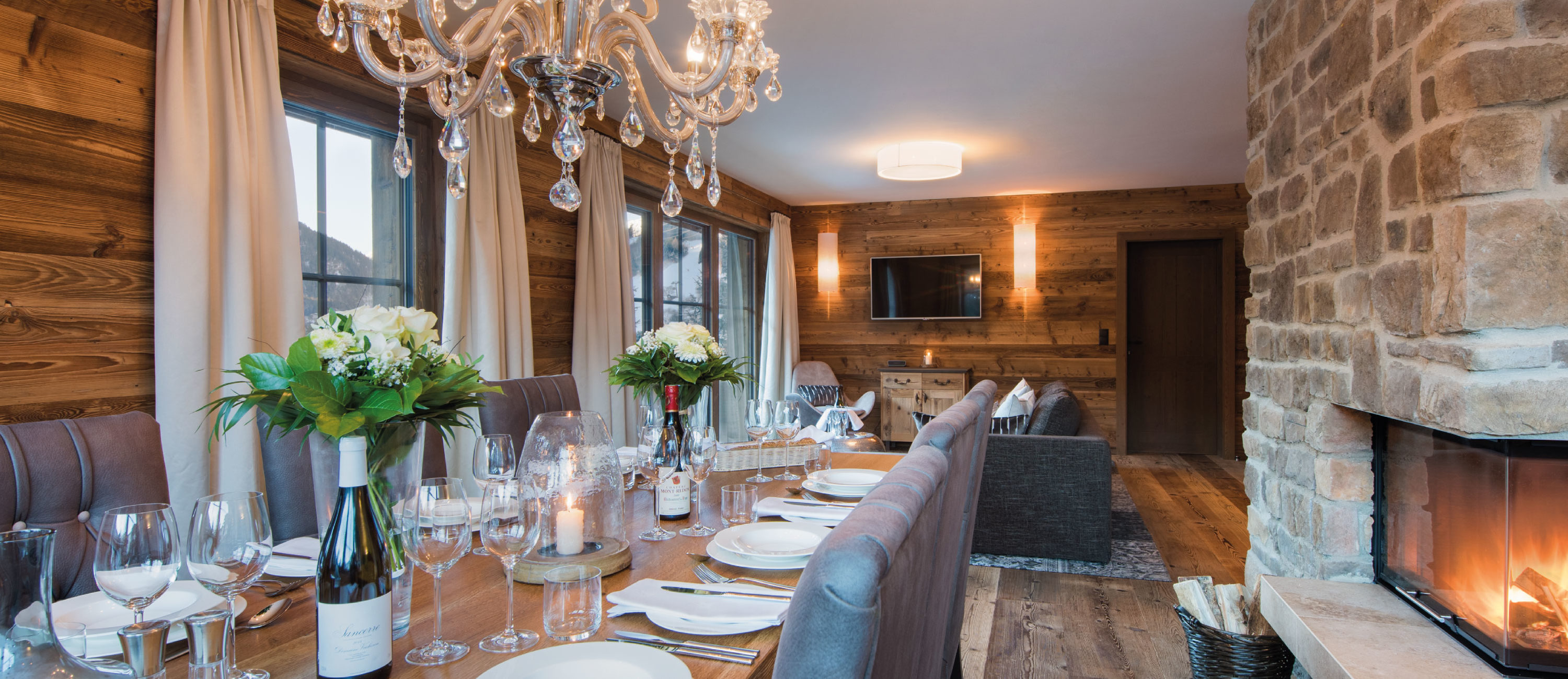 Chalet Zari Dining Room with Open Fireplace in Eden Rock, St Anton