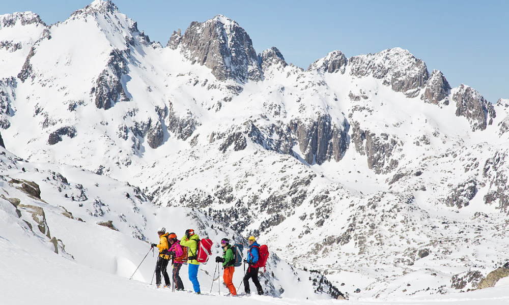 Heli-Skiing in Spain - Ski Touring