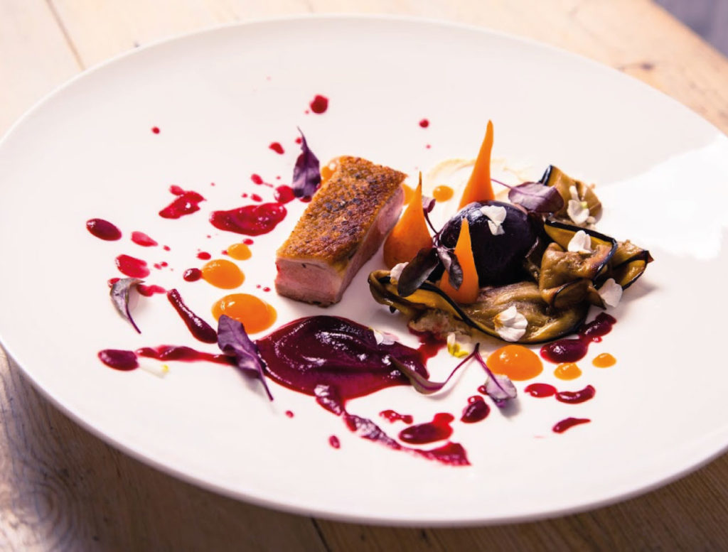 Luxury Catered Ski Chalets - Fine Dining by Professional Chefs