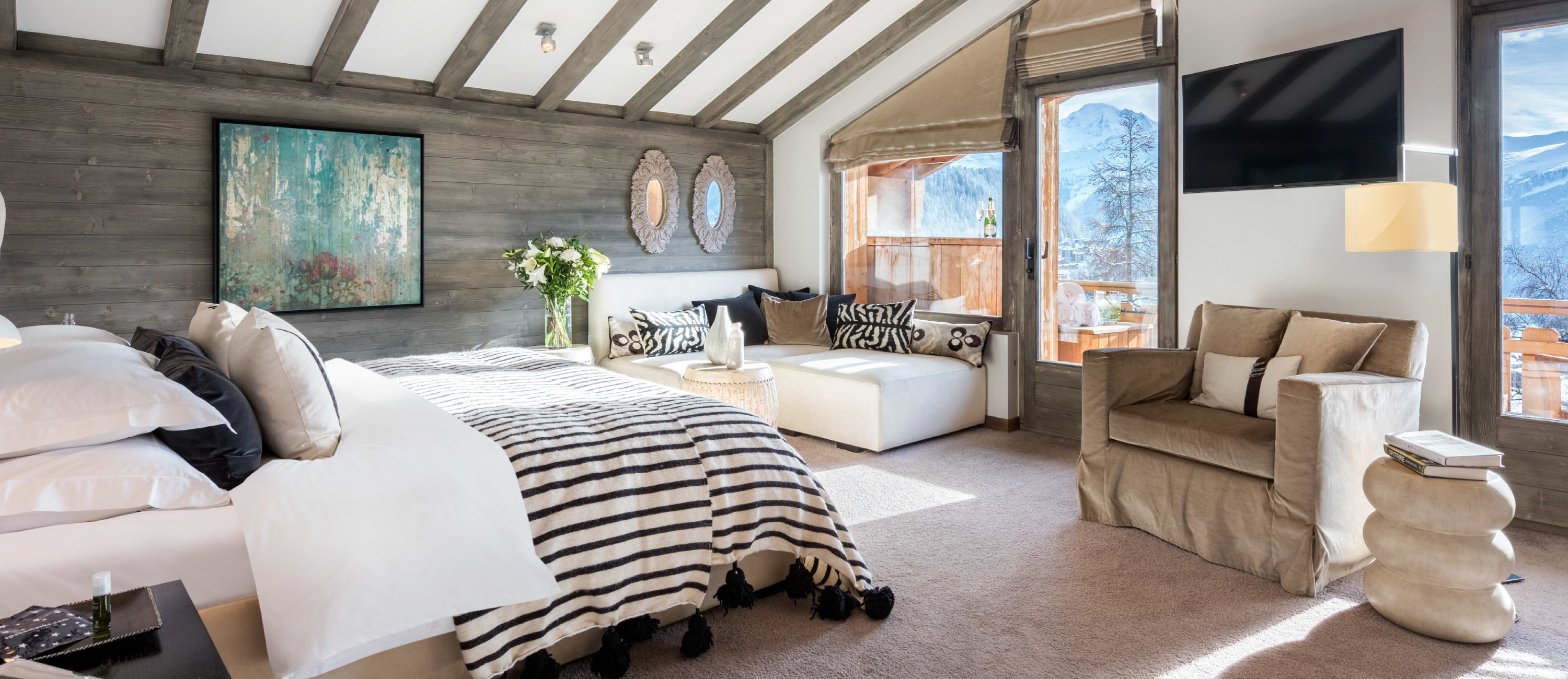 Master bedroom at No. 14 Verbier