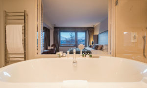 Bath views at No. 14, Verbier