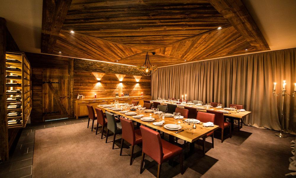 Spacious dining room at Montfort Lodge, St Anton