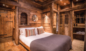 Chalet Montana Double Bedroom - Traditional Savoyard Chalet in Courchevel 1850